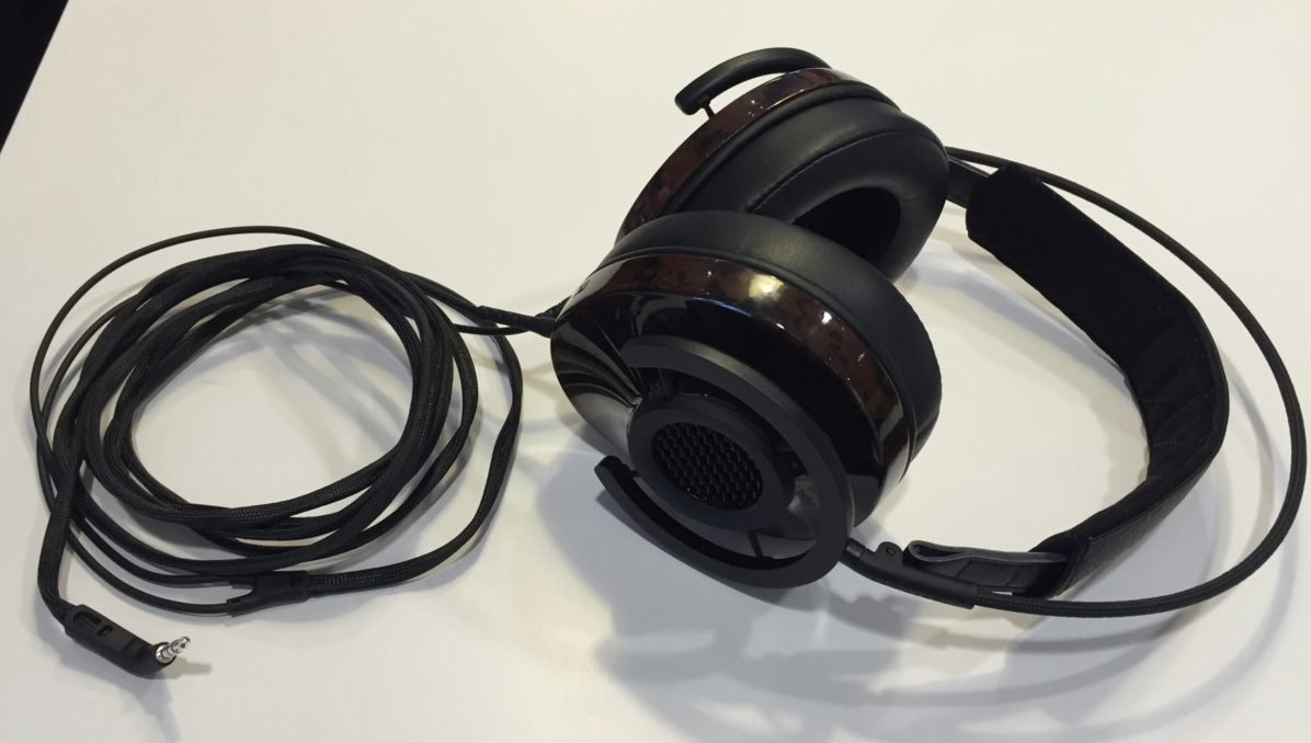 Audioquest NightHawk - semi-åbne over ear høretelefoner