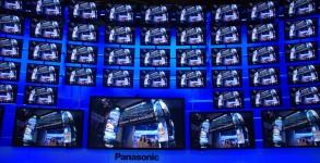 AV Blog CES2012 Panasonic Plasma Video Wall